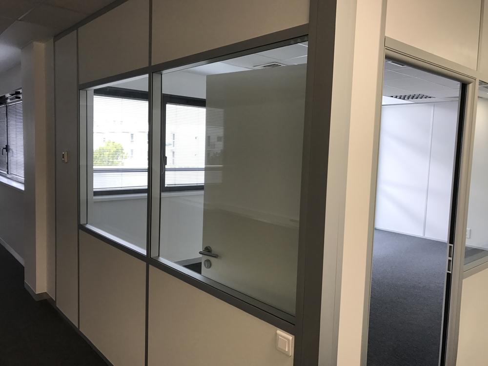 Cloison modulaire gris anodise